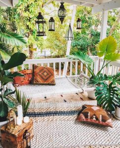 Decorate Your Outdoor Living Space