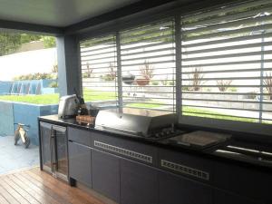 Outdoor Kitchen, BBQ Area, Patio